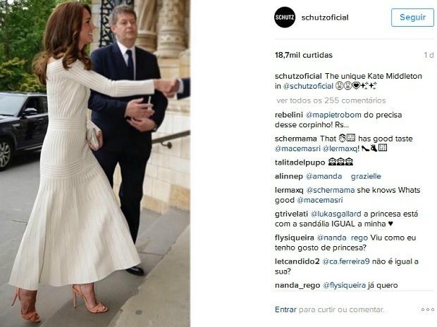 041282f1d Foto da duquesa de Cambridge, Kate Middleton, usando calçados da marca  brasileira Schutz foi