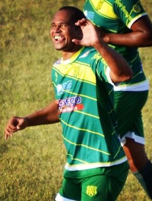 Aloísio Chulapa estreou no Ipanema fazendo dois gols (Foto: Divulgação Instagran)
