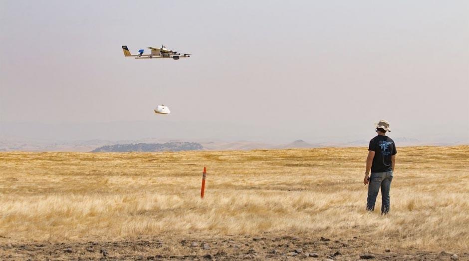 Técnico testa o drone que vai entregar comidas da rede Chipotle (Foto: Reprodução)