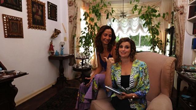 Camila Pitanga e Micaela Goes, Santa Ajuda (Foto: Divulgao/GNT)