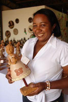 Raimundinha Teixeira, artesã e presidente da Cooperativa de Artesanato do Poti Velho participará da mostra (Foto: Carlos Augusto Lima / Sebre-PI)