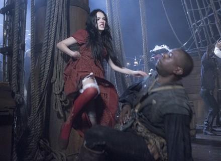 Batalha pirata toma conta de navio real