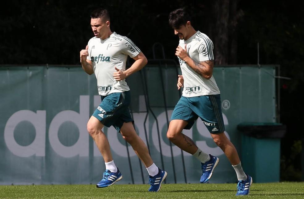 Moisés e Thiago Martins ainda estão em fase de transição (Foto: Cesar Greco/Ag Palmeiras/Divulgação)