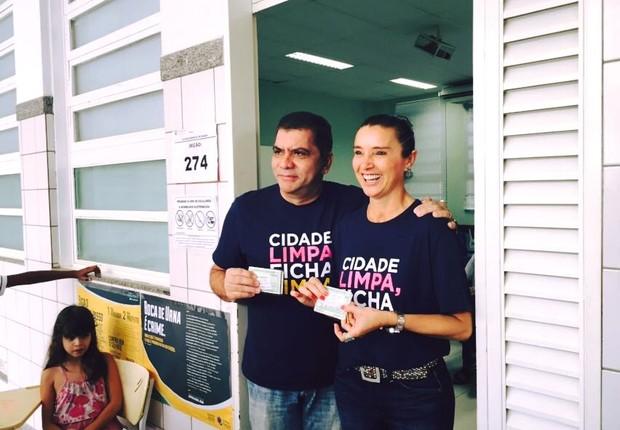 Carlos Amastha votando neste domingo (Foto: Reprodução/Facebook/Carlos Amastha )