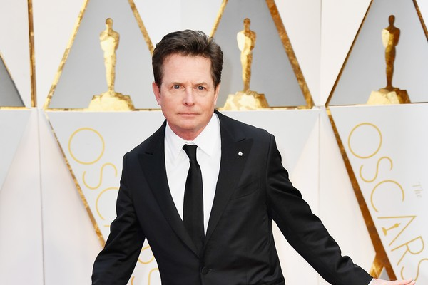 Michael J. Fox no tapete vermelho do último Oscar (Foto: Getty Images)