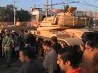 Após confrontos e mortes, presidente do Egito convoca oposição ao diálogo