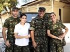 Rodrigo Lombardi e Flávia Alessandra gravam em quartel do Exército no Rio
