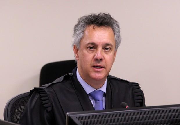 O desembargador João Pedro Gebran Neto no julgamento de recursos recursos do ex-presidente Lula na 8ª Turma do TRF4 (Foto: Sylvio Sirangelo/TRF4)
