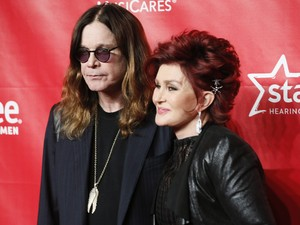Ozzy e Sharon Osbourne em evento em Los Angeles (Foto: Reuters)