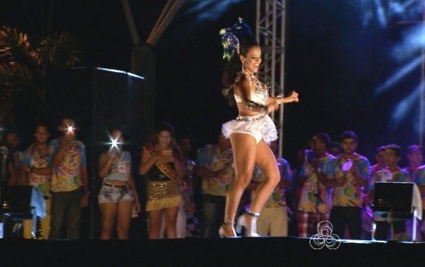 Teve desfile para escolher a Rainha do Carnaval (Foto: Roraima TV)