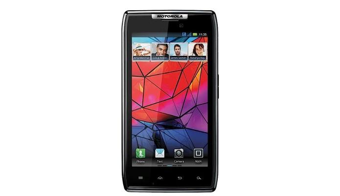 Lançado em 2011, Motorola Razr foi o primeiro na nova série (Foto: Divulgação)