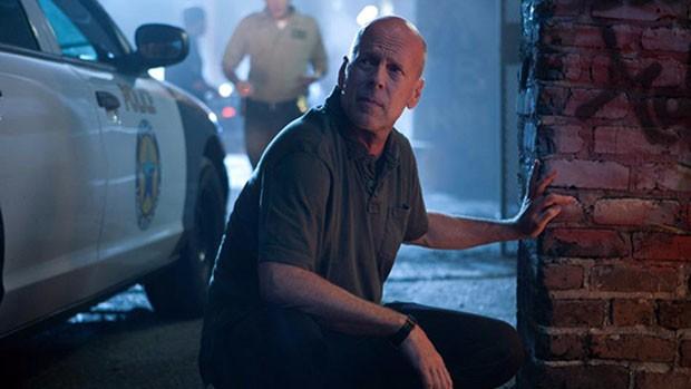 Domingo Maior: Bruce Willis combate 'Fogo Contra Fogo' (divulgação)