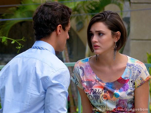 Giane conversa com Caio (Foto: Sangue Bom / TV Globo)