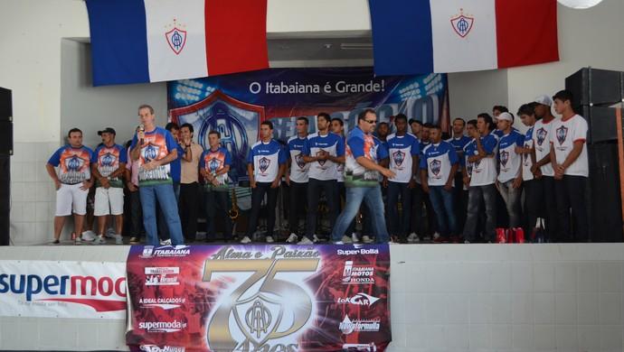 Elenco do Itabaiana é apresentado em domingo festivo (Foto: Thiago Barbosa)