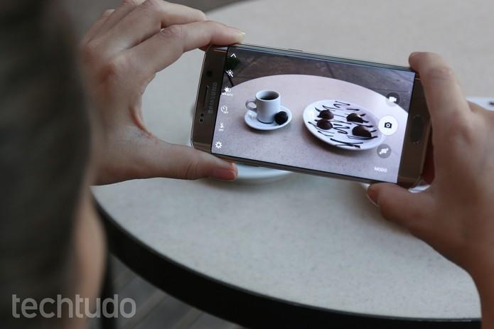 Câmera do S6 Edge tem resolução maior do que a usada no sucessor, o S7 Edge (Foto: Lucas Mendes/TechTudo)