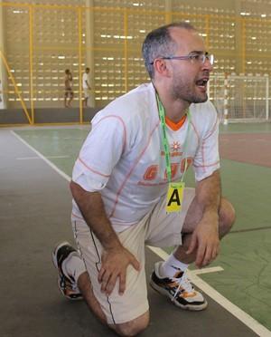 Giuliano Ramos, técnico do Caic Balduíno (Foto: Abdias Bideh/GloboEsporte.com)
