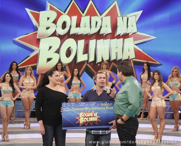 Paulo e Andreia levaram R$19,5 mil no Bolada na Bolinha (Foto: Domingão do Faustão / TV Globo)
