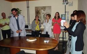 Thiago Lacerda ganha festa surpresa da equipe de A Vida da Gente