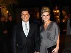 Mirella usa vestido com superfendas no casório de Dentinho e Dani Souza
