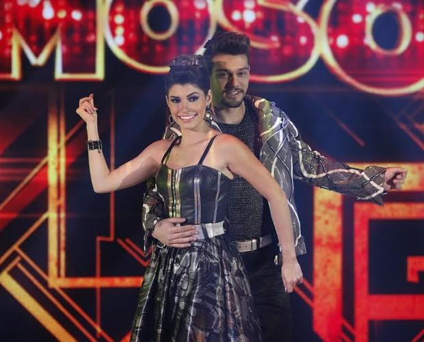 Lucas Lucco dança com Ana Paula Guedes (Foto: Raphael Dias/TV Globo)