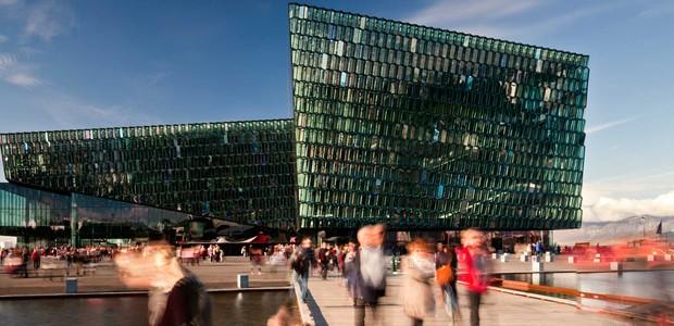 predios-modernos-com-fachadas-incriveis-harpa-concert-hall-islandia (Foto: Reprodução )