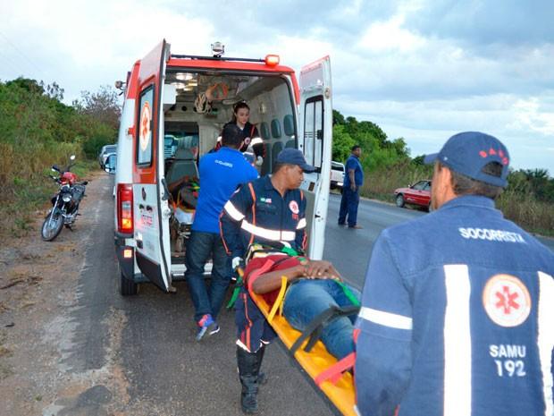 Sobreviventes foram socorreidos pelo Samu (Foto: Ivan Gehlen/Blog Braga)