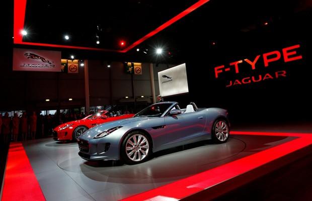 Jaguar F-Type estreia em Paris (Foto: Divulgação)