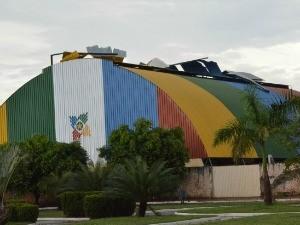 Telhado da Escola João Monteiro Sobrinho foi afetado. (Foto: Daniela Carlos/Arquivo Pessoal)