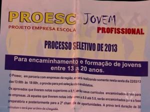 Panfleto convidava alunos com idade a partir de 13 anos para concurso seletivo de estágio (Foto: Reprodução/TV Tribuna)