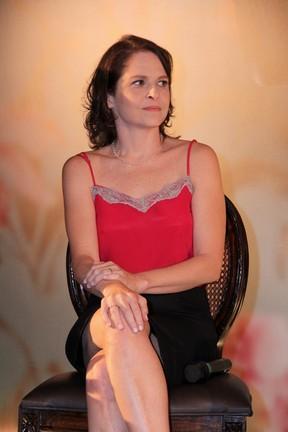 Drica Moraes na coletiva do seriado Doce de Mãe (Foto: Alex Palarea/AgNews)