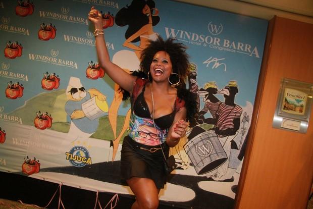 Adriana Bombom em feijoada (Foto: Brazilnews / Thyago Andrade)