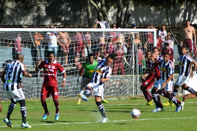 Copa Espírito Santo 2014: Atlético-ES x Desportiva Ferroviária (Foto: Henrique Montovanelli/Desportiva Ferroviária)