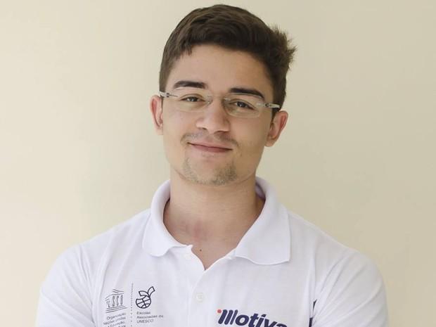Fábio Serra, estudante de João Pessoa, atingiu desempenho máxima em prova de matemática no Enem (Foto: Fábio Serra/Arquivo Pessoal)