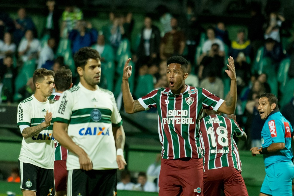 Fluminense vence o Coritiba no Couto Pereira e sobe na classificação (Foto: Estadão Conteúdo)