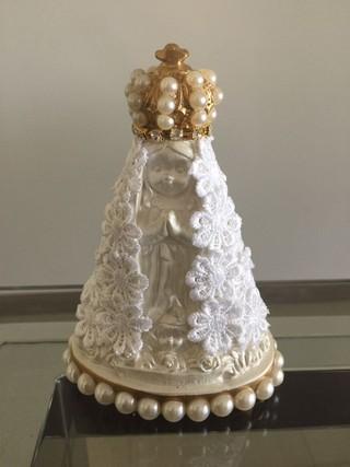 Imagem de Nossa Senhora Aparecida: lembrança do casamento de Gusttavo Lima e Andressa Suita (Foto: Divulgação)