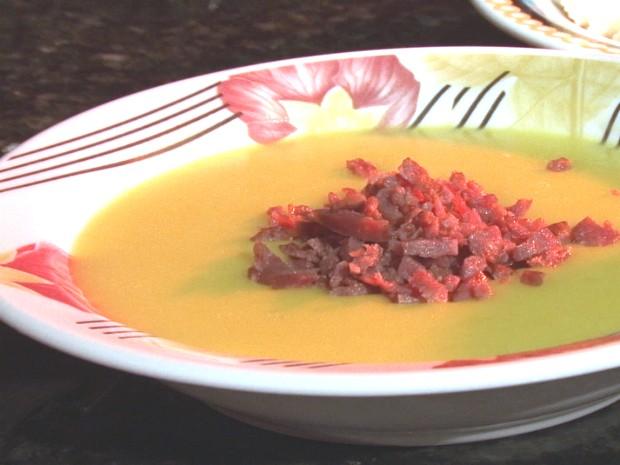 Sopa é uma boa pedida para aquecer os dias mais frios (Foto: Reprodução RPC)
