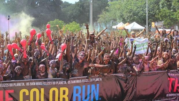 Corrida reuniu amigos e famílias em Manaus (Foto: Tiago Melo/G1 AM)