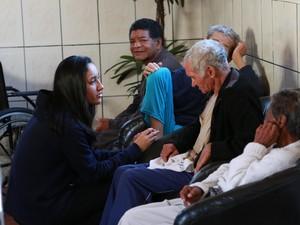 Grupo passou a tarde em uma casa de idoso (Foto: Divulgação)
