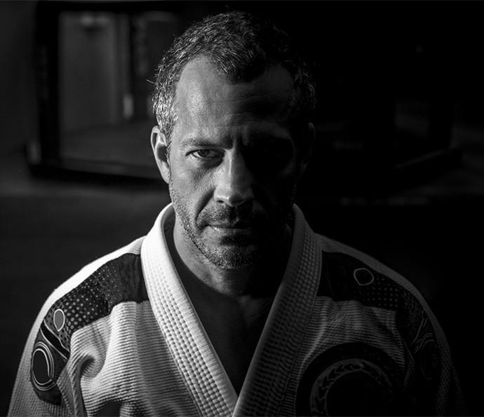 Malvino conta que apesar de estar casado com a pentacampeã mundial de jiu-jitsu, eles treinam pouco em casa (Foto: Isabella Pinheiro/Gshow)