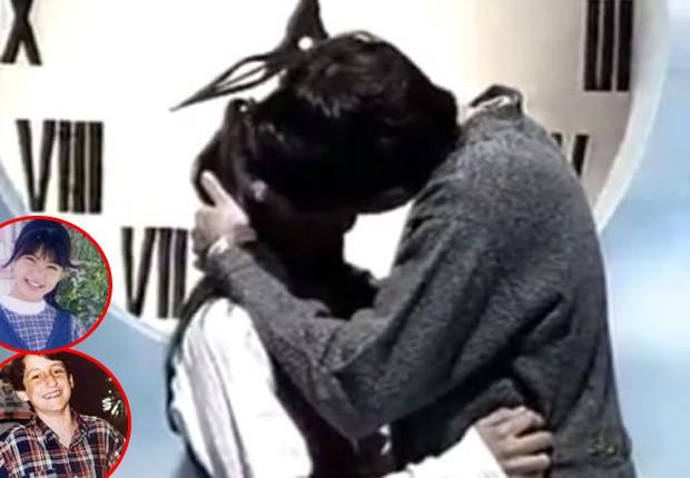 O primeiro beijo de Bel e Rafa, interpretados por Vivian Nagura e Felipe Chammas (Foto: Reprodução)