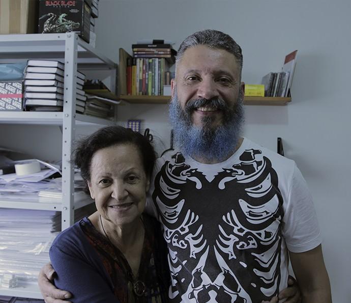 Laércio do BBB16 ao lado de sua mãe  (Foto: João Mello/Gshow)