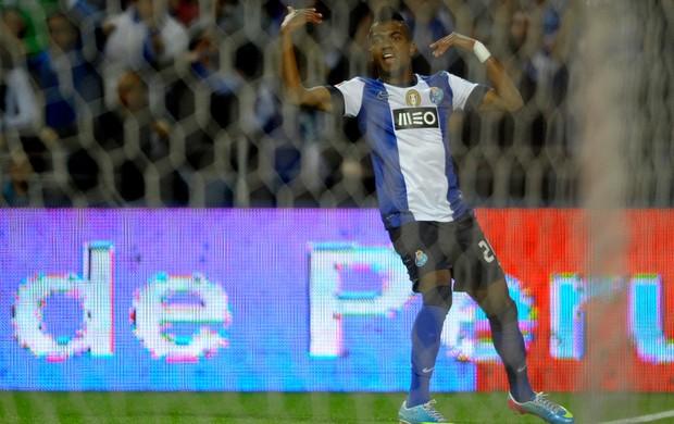Kelvin comemora, Porto x Benfica (Foto: AFP)