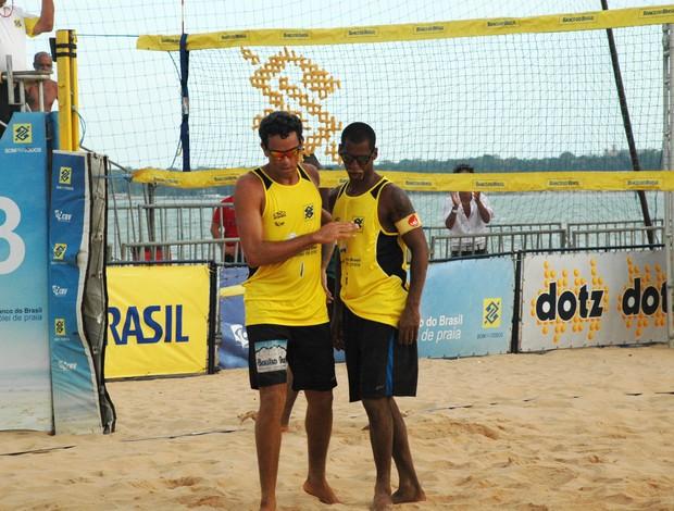 Renatão e Gilmário, vôlei de praia (Foto: Lucas Barros / Globoesporte.com/pb)