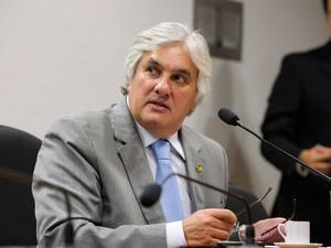 28/03/2012 - Senador Delcidio Amaral (PT-MS) durante sessão da CAE (Comissão de Assuntos Econômicos) (Foto: Lia de Paula/Agência Senado/Arquivo)