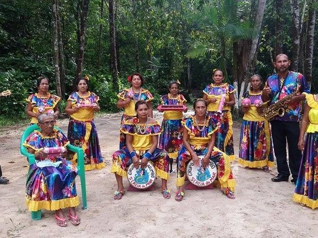 Serias do Mar: grupo de Marapanim reúne mulheres de várias gerações na cultura do carimbó (Foto: William Serique/TV Liberal)