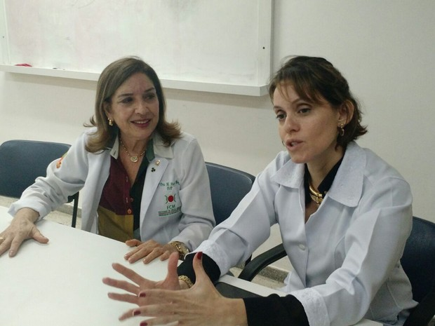 Neuropediatra Ângela Rocha e infectologista Regina Coeli, do HUOC (Foto: Penélope Araújo/G1)
