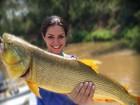 Thais Fersoza e Michel Teló posam com peixe gigante: 'Pesque e solte'