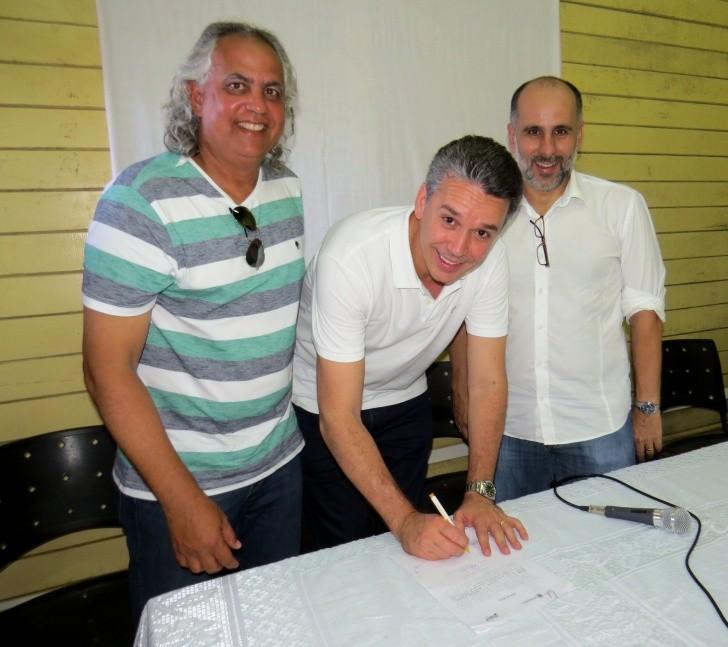 Assinatura ordem de serviço obras Noronha