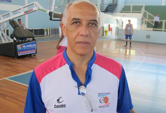 Ênio Vecchi, técnico do Espírito Santo Basquete (Foto: Divulgação/Cetaf)