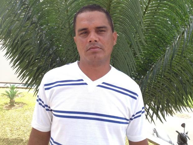 José Santos quer encontrar a família biológica (Foto: Genival Moura/G1)